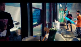 É lançada a short ver. de Coming Over e o teaser das faixas do álbum